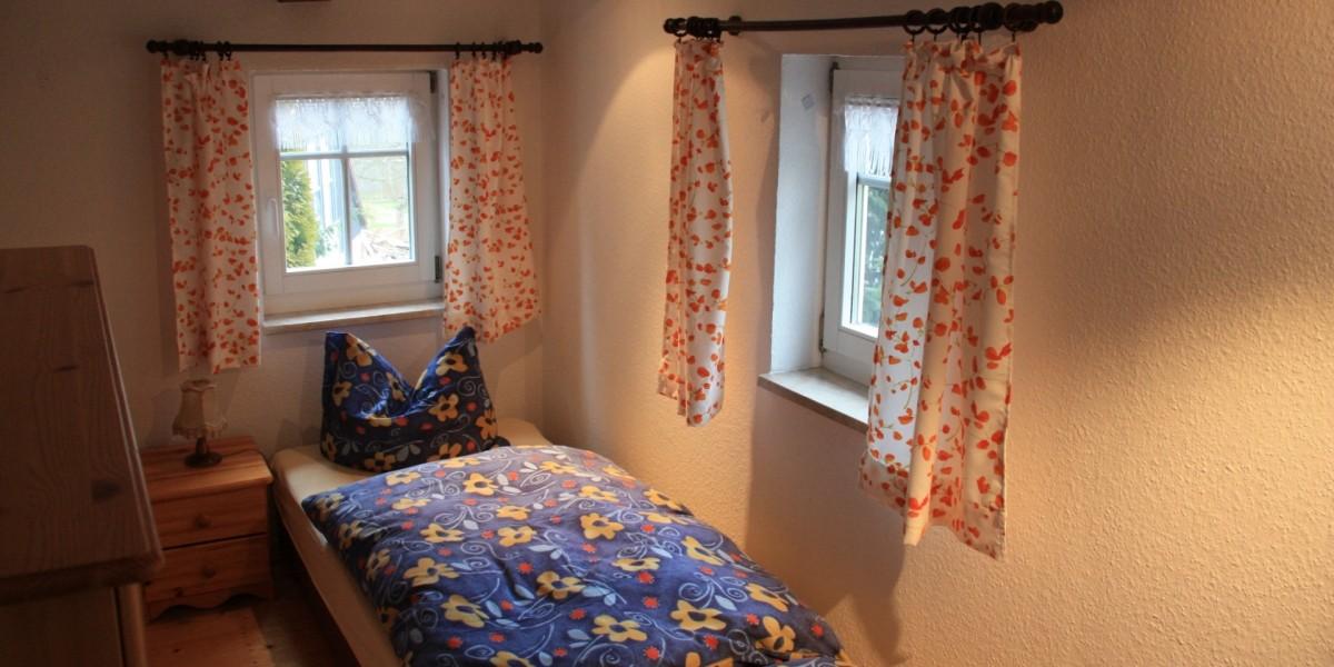 Untere Ferienwohnung – Schlafzimmer 3 mit Einzelbetten
