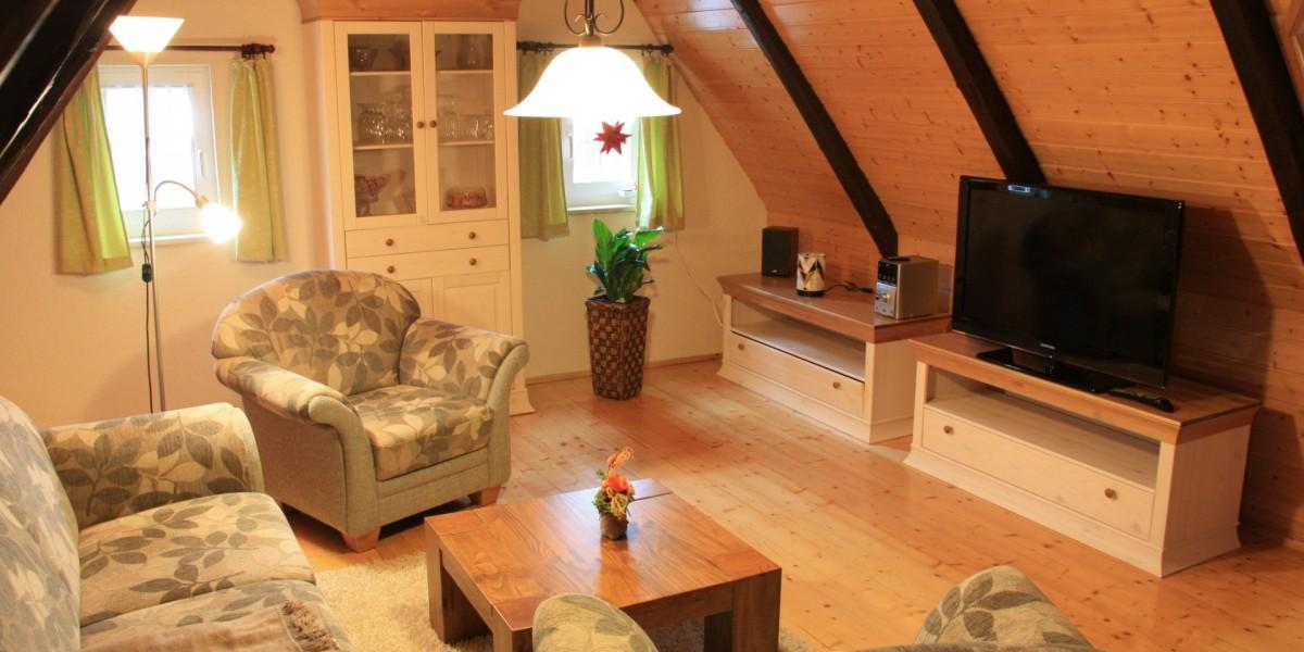 Obere Ferienwohnung – Wohnstube mit Couchecke